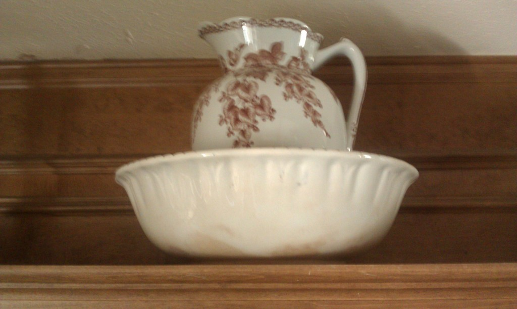 Basin_Pitcher_Antique_Burslem_Pottery_England_Spectis_Side_View